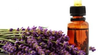 9 Effective Essential Oils for Vertigo