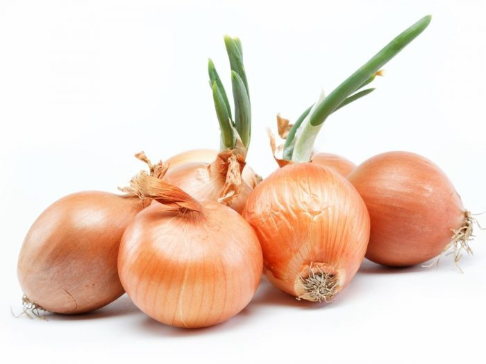 13 Impressive Benefits of Onions | Organic Facts