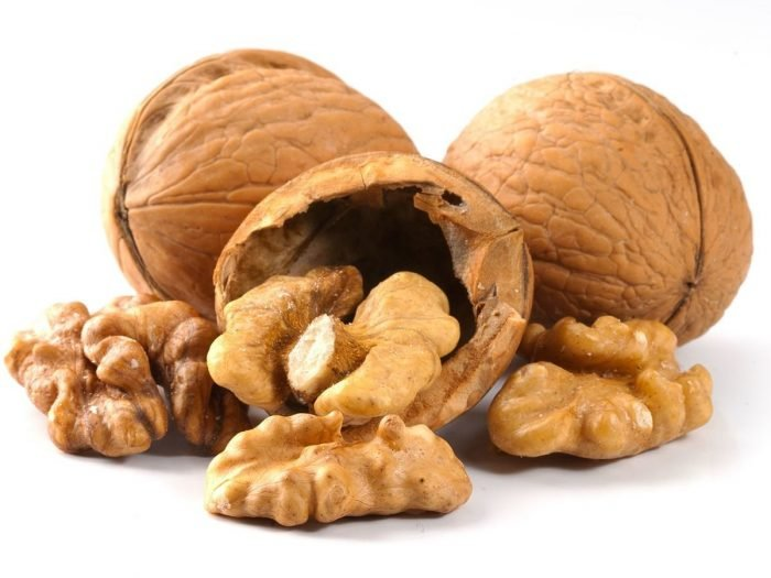 Nutritional Value of Almond and Walnuts