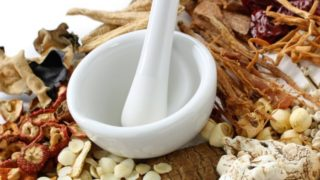 Difference Between Organic Medicines and Herbal Medicines