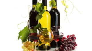 Benefits & Side Effects of Organic Wine