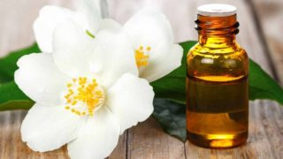 13 Surprising Benefits of Jasmine Essential Oil