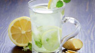 17 Best Benefits of Lemon Water