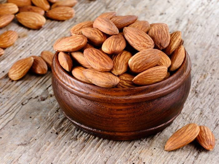13 Nutrition-Based Health Benefits of Almonds | Organic Facts