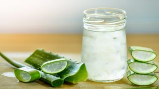 Aloe Vera Juice for Hair: Top Benefits & How To Use