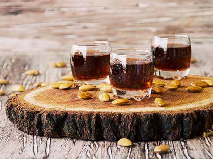 A picture of three glasses of amaretto tea
