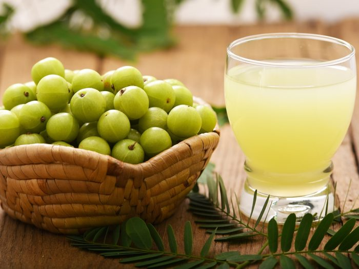 11 Surprising Benefits of Drinking Amla Juice (Indian