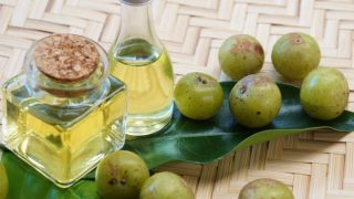 10 Incredible Benefits of Amla Oil