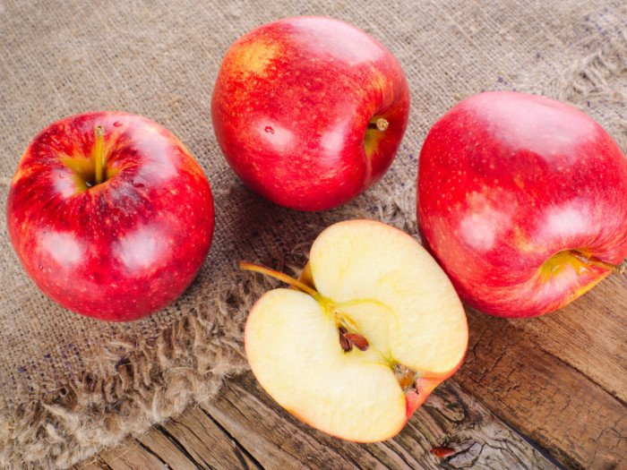 13 Amazing Benefits & Uses of Apple | Organic Facts