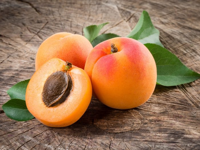 10 Impressive Benefits of Apricot | Organic Facts