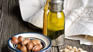 15 Surprising Benefits of Argan Oil For Skin