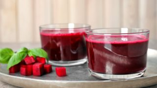 5 Side Effects Of Drinking Beetroot Juice