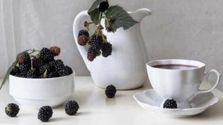 8 Amazing Benefits of Blackberry Tea