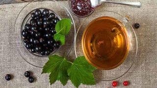 9 Amazing Benefits of Black Currant Tea