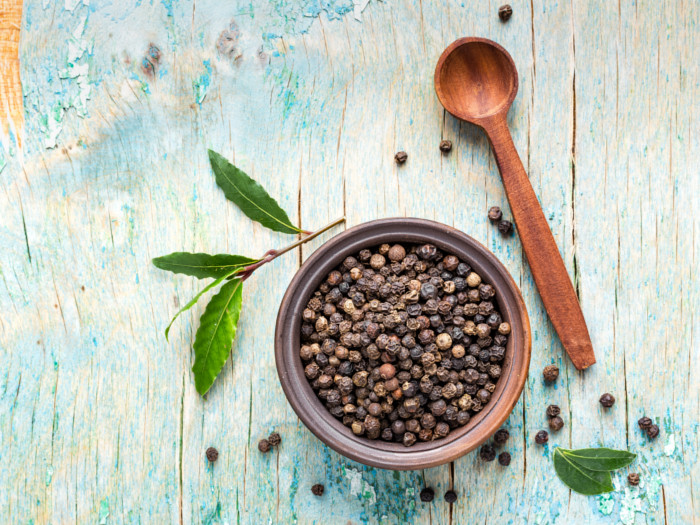 9 Proven Health Benefits of Black Pepper | Organic Facts