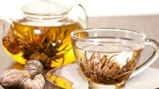 10 Surprising Benefits of Blooming Tea or Flowering Tea