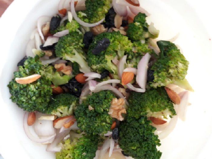 Assemble all the ingredients of broccoli salad together