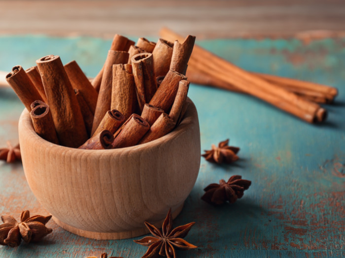 Cassia Cinnamon Benefits, Uses, & Side Effects | Organic Facts