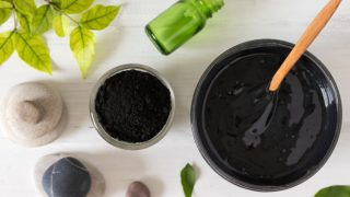 Top 5 Benefits of Charcoal Face Mask