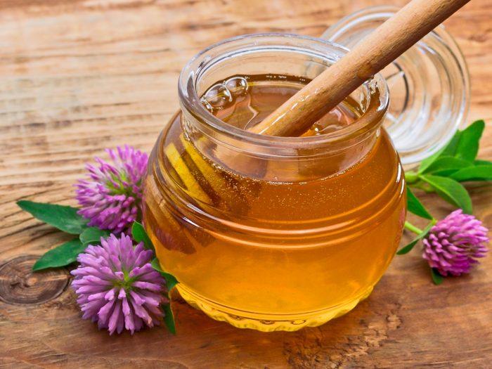 5 Best Surprising Benefits of Clover Honey | Organic Facts