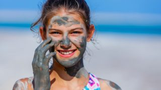 Dead Sea Mud for Skin & Other Benefits