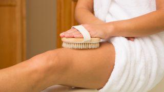 7 Powerful Benefits Of Dry Brushing