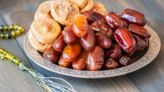 Figs vs Dates: Health Benefits & Nutrition