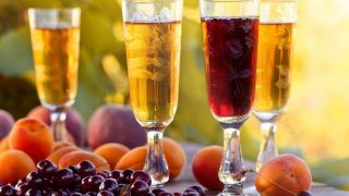 Fruit Wine: Types & How to Make