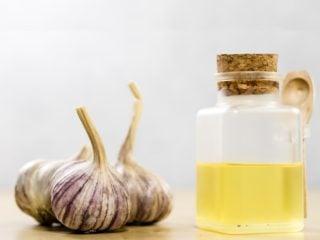 10 Incredible Benefits of Garlic Oil | Organic Facts