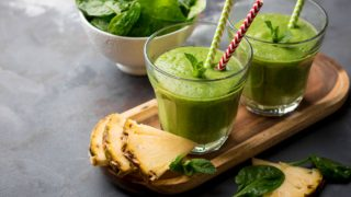 How to Make Pineapple Green Smoothie Recipe