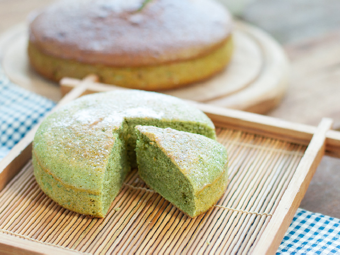 Matcha Cake, A Green Tea Cake Treat