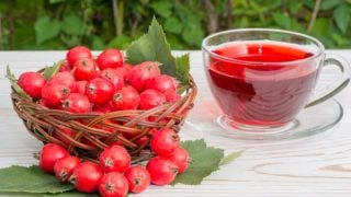 6 Amazing Benefits of Hawthorn Berry Tea