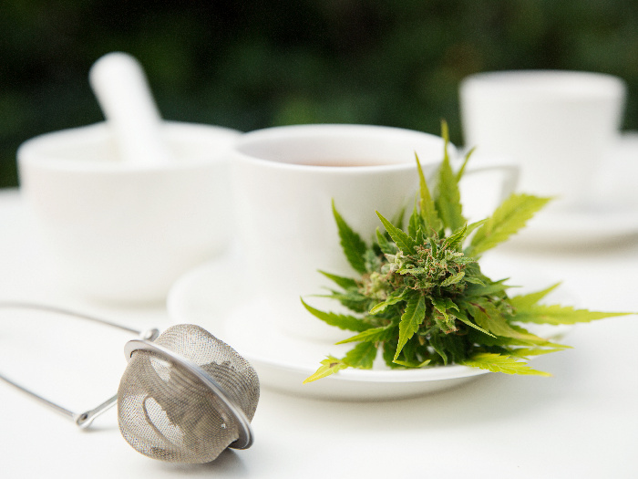 Exploring Hemp Tea: Benefits & How to Make