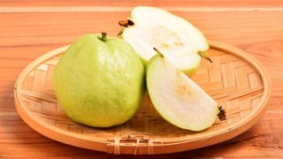 How To Eat Guava: Steps & Recipes