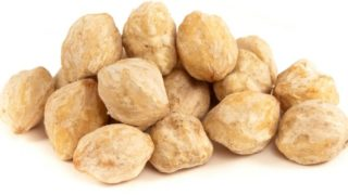 9 Amazing Benefits & Uses of Kukui Nut Oil