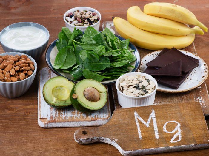 másnaposság természetes gyógymód alkohol magnézium B6-vitamin máriatövis szibériai ginzeng gyömbér tojás teljes kiőrlésű szénhidrát banán víz