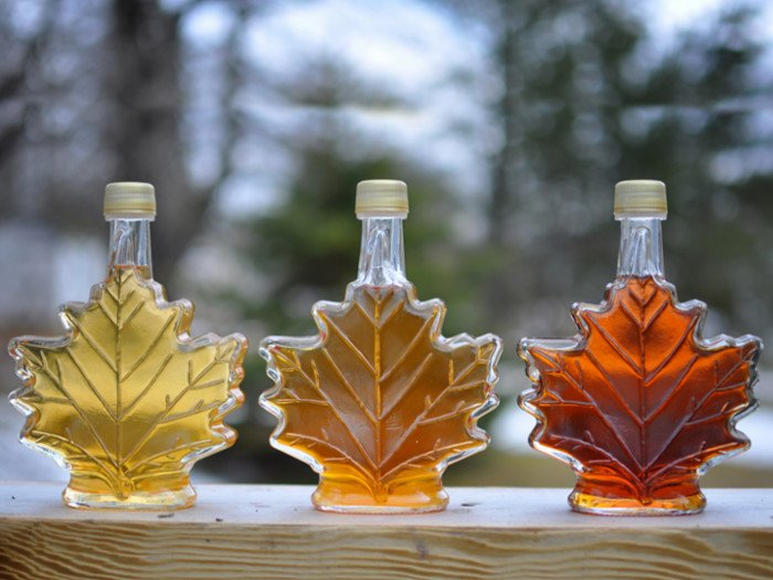 Maple Syrup Vs. Honey: The Best Alternative