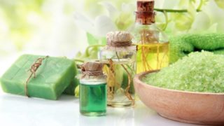 7 Amazing Benefits of Mineral Oil