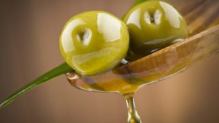 6 Proven Benefits of Olive Juice