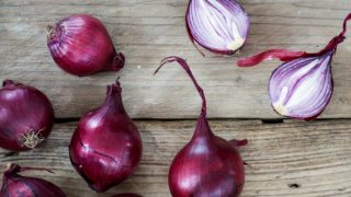 13 Impressive Benefits of Onions