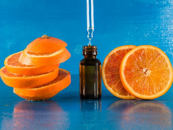 ۱۳ خاصیت شگفت انگیز اسانس پرتقال