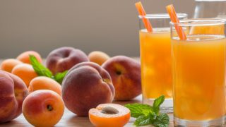 10 Amazing Benefits of Peach Juice