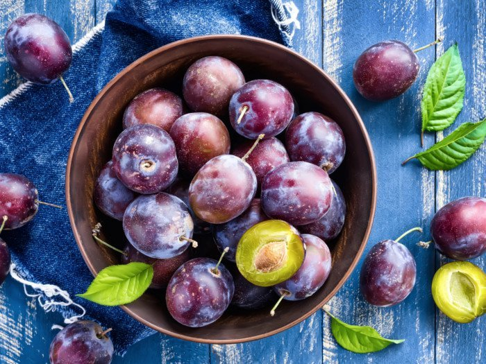 21 Best Benefits of Plums | Organic Facts