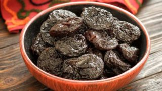 7 Amazing Benefits of Prunes