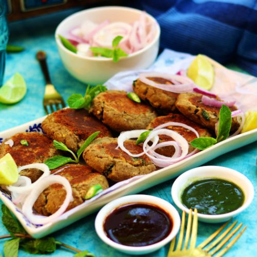 A mutton shami kebab platter with salad