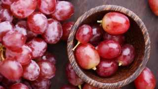 Red Grapes: Nutrition & Benefits