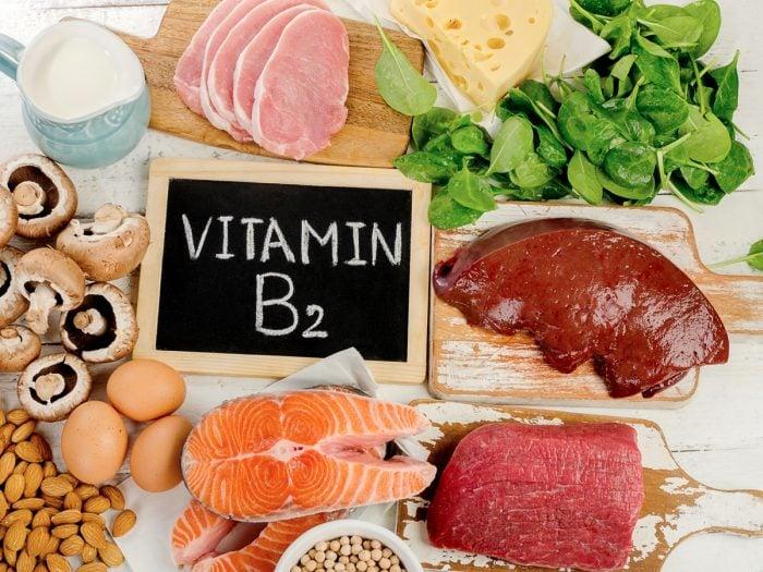 ۱۳ خاصیت و فایده قابل توجه ریبوفلاوین یا ویتامین B2