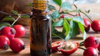 9 Amazing Benefits of Rosehip Oil