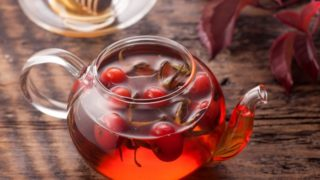 7 Incredible Benefits of Rosehip Tea