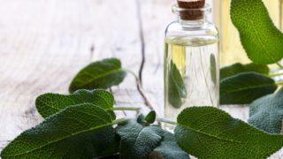 I Benefici Per La Salute Dell'olio Essenziale Di Salvia